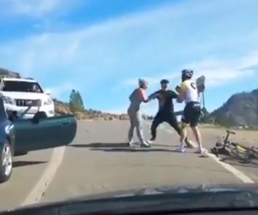 Exceso de testiculina entre el conductor de un coche y un ciclista +AUDIO