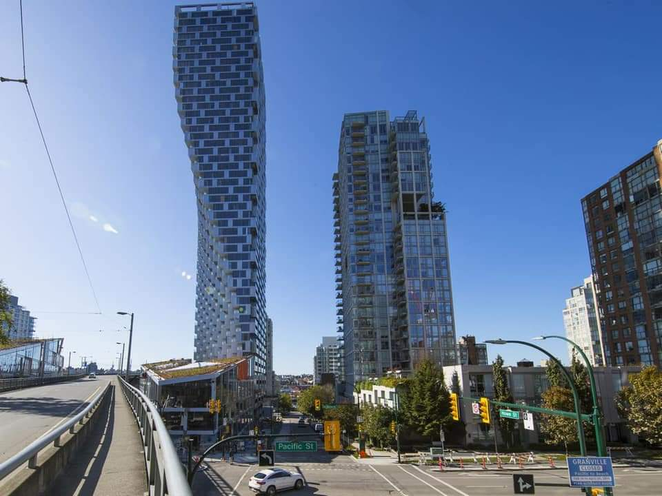 Vancouver House: La torre que desafía las leyes de la física dependiendo de la perspectiva