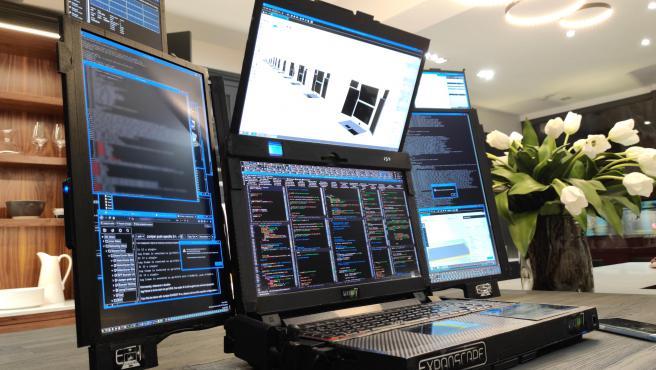 Aurora 7: el portátil con 7 pantallas para hacerte turbopajas del averno