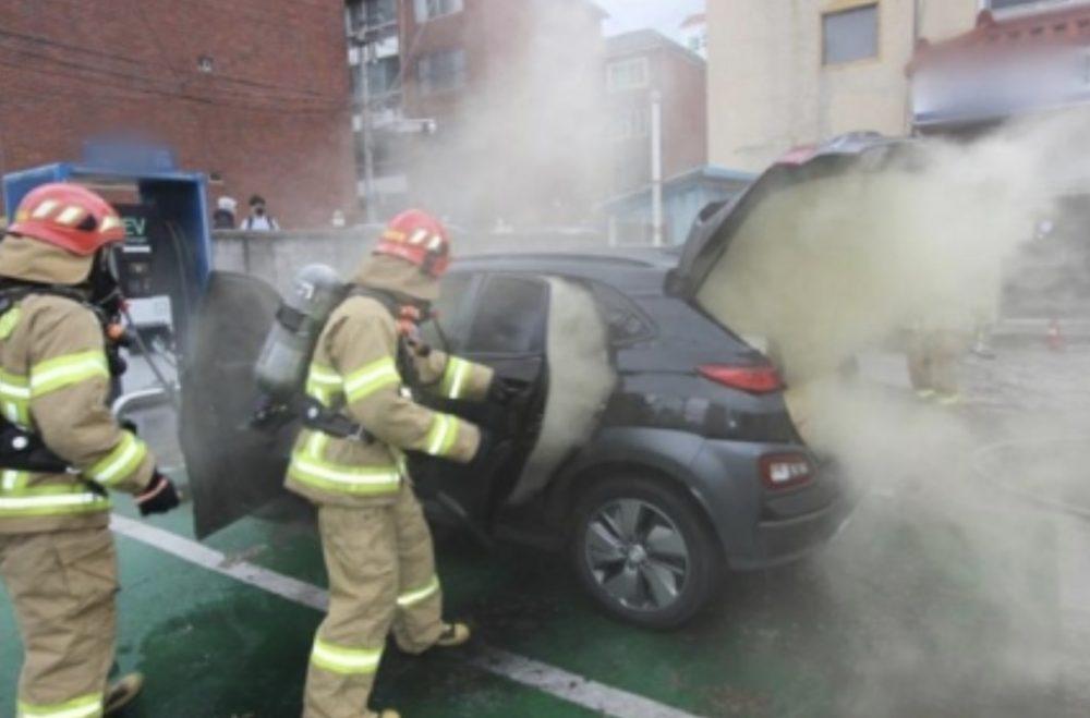 CAGADOTE: Hyundai tendrá que cambiar todas las baterías del Kona eléctrico por culpa de los incendios