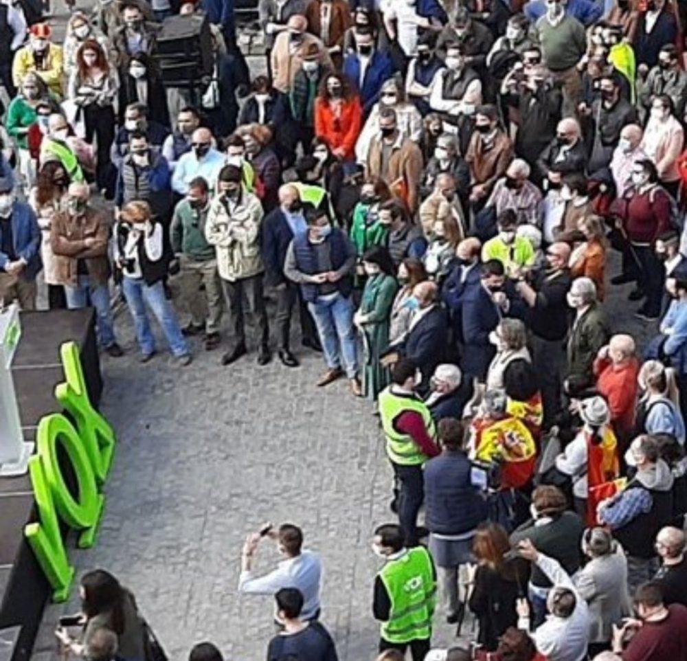 Máximo 6 personas juntas en la calle, pero en el 8M... 500