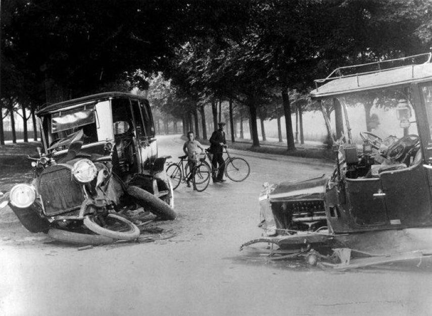 Esta es la pinta que tenía un accidente de coche en 1938