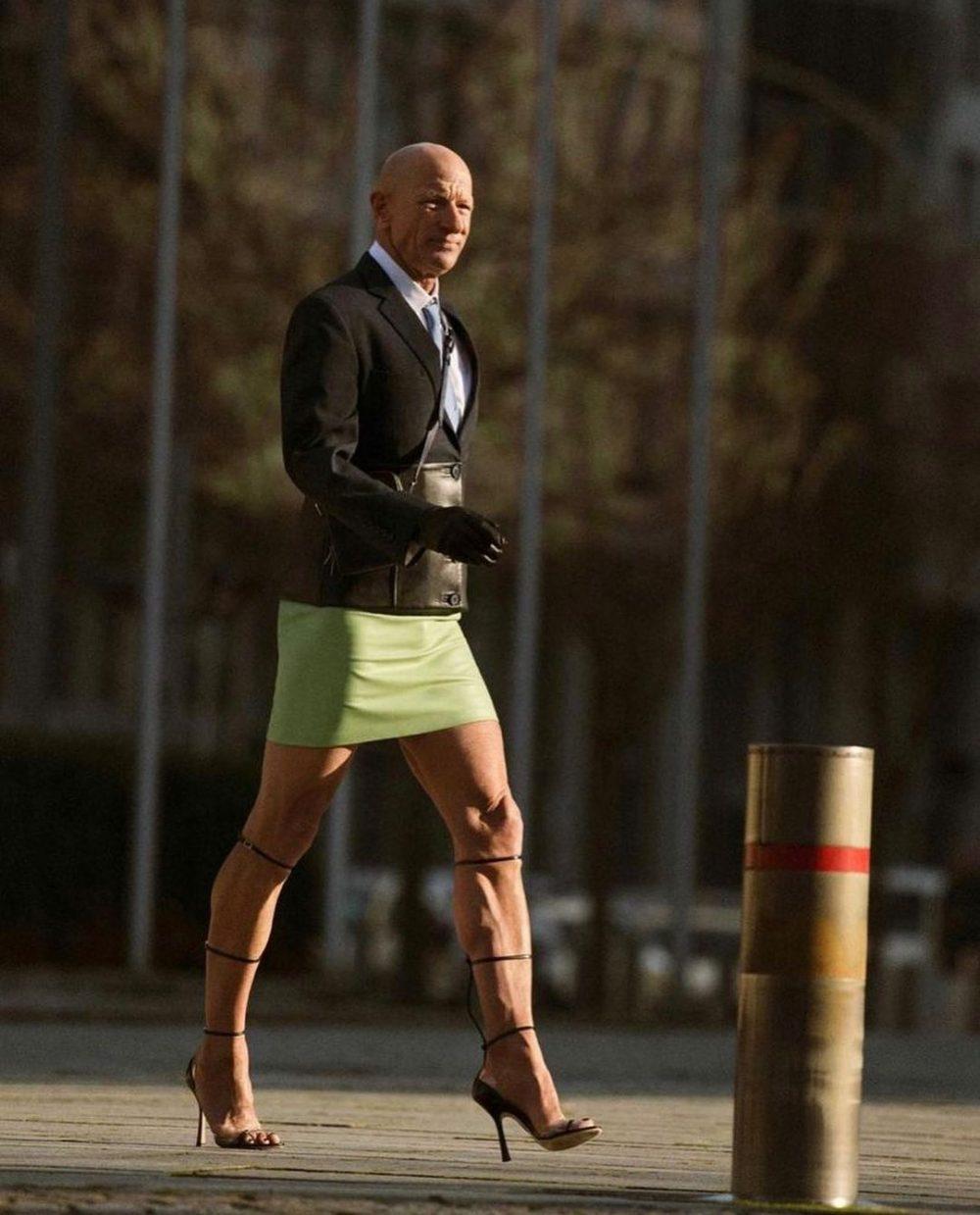 Mark Bryan es un ingeniero robótico heterosexual, de 62 años y residente en Berlín, que hace 5 años comenzó a vestir con tacones de aguja y faldas para ir a trabajar sencillamente porque le gusta vestir así.