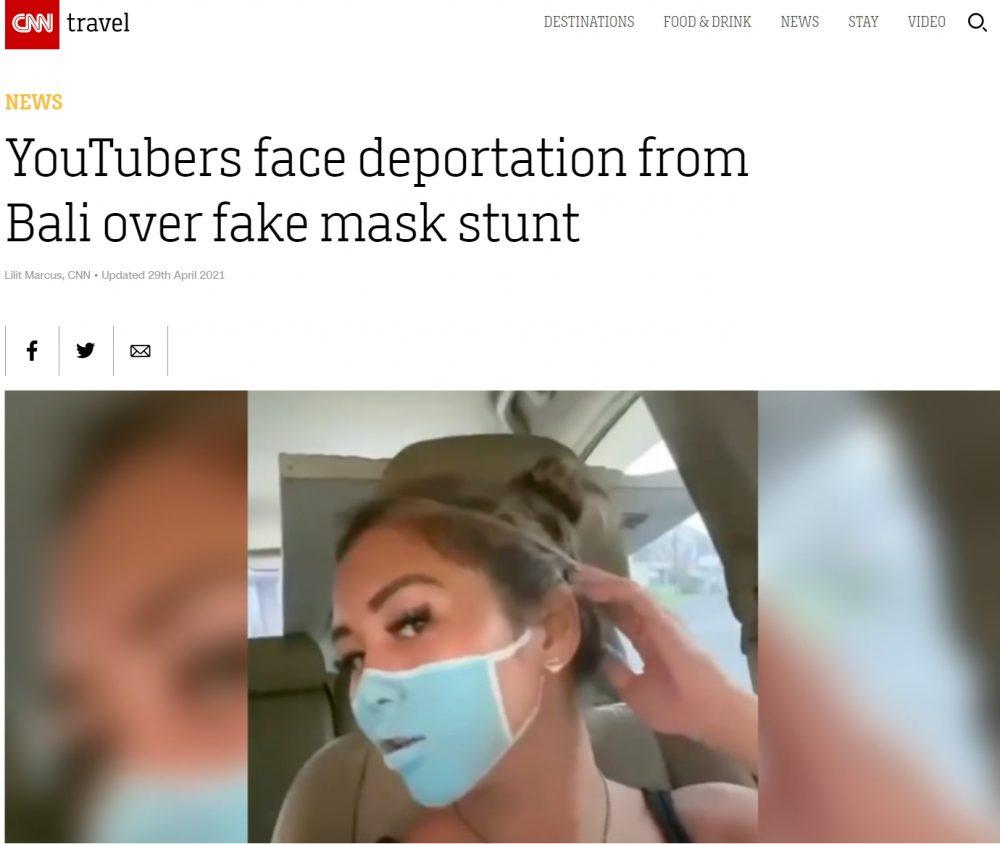 """Dos youtubers se enfrentan a ser deportados por pintarse mascarillas para grabar una """"prank"""""""