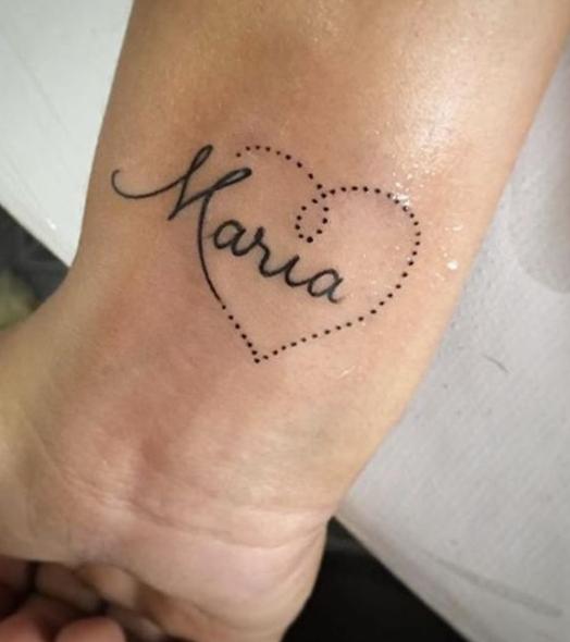 - Venga cari, tú te tatúas lo que quiera yo, y yo me tatúo lo que quieras tú