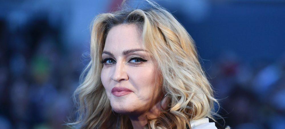 El botox y los estiramientos han convertido a Madonna en un alien...
