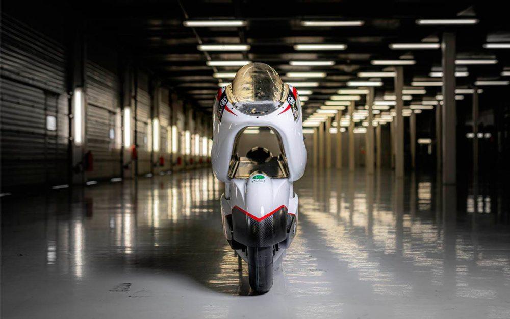 Esta será la moto eléctrica más rápida del mundo gracias al agujero que la recorre longitudinalmente