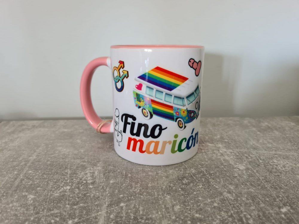 Hoy he recibido como regalo de cumpleaños la taza más homosexual de la Vía Láctea