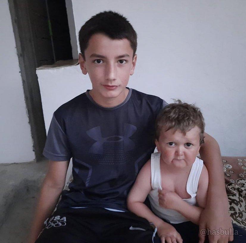 Hasbulla y su hermano en 2011:
