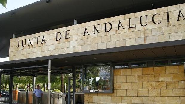 El saqueo de Andalucía - FAFFE: 1500 enchufados cobrando durante 30 años sin trabajar