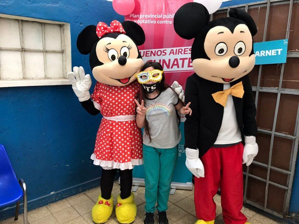 A Mickey le acaban de dar los resultados del test de VIH
